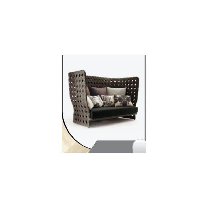 Wide Wicker Couch(R 361)